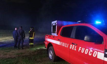 Intrappolato sulle sponde del Lambro, è stato salvato da Carabinieri e Vigili del fuoco