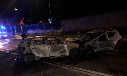 Incidente a Seveso, dopo lo schianto due auto prendono fuoco FOTO