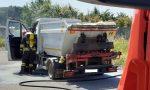 Furgone dei rifiuti prende fuoco a Lentate, intervengono i pompieri