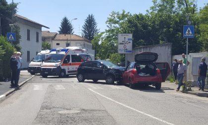 Grave incidente tra due auto a Barlassina, atterra l'elisoccorso FOTO