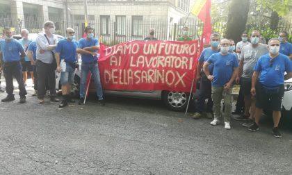 Sarinox, protesta davanti ad Assolombarda