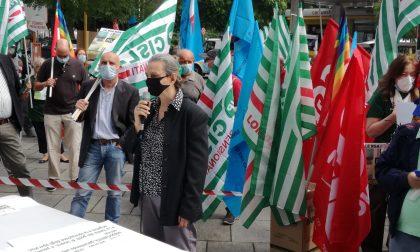 """""""Strage nelle Rsa"""": i sindacati in piazza per denunciare FOTO"""
