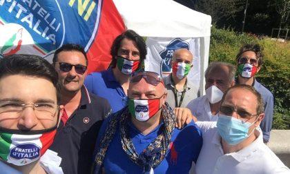 """Fratelli d'Italia MB in piazza: """"Elezioni subito"""""""