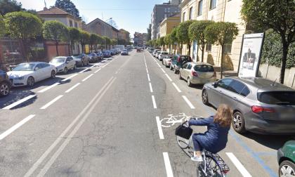 Arrivano le corsie ciclabili disegnate sulla strada
