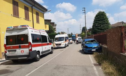 Incidente a Meda tra autocarro e auto, soccorse due donne FOTO