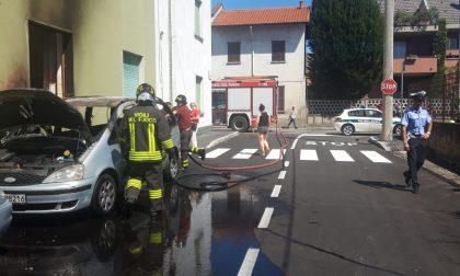 Auto a fuoco, paura a Cesano Maderno