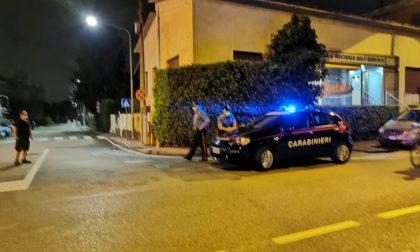 Incidente a Meda, paura per una 41enne investita da un camion