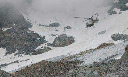 Scivola per 50 metri sul ghiacciaio, paura per un giussanese