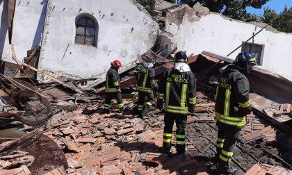 Crollo nell'ex area industriale: pompieri sul posto