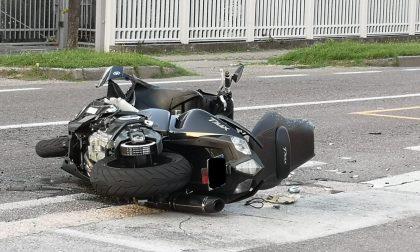 Drammatico scontro tra un'auto e una moto