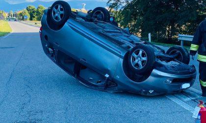 Auto ribaltata a Cavenago, un ferito