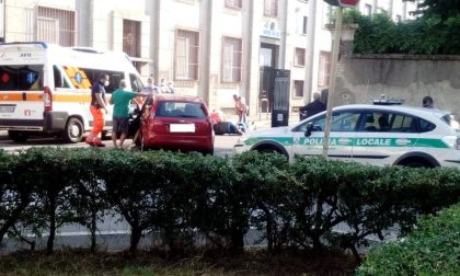 Incidente in via Cavour, soccorsa una 45enne