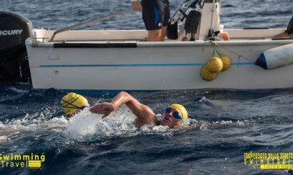 A nuoto dalla Sicilia alla Calabria