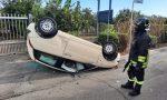 Auto sbatte contro la betoniera e si ribalta FOTO VIDEO