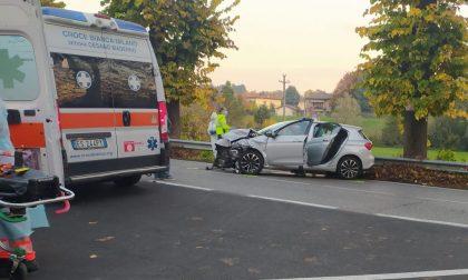 Besana Brianza, scontro tra due auto su viale Kennedy