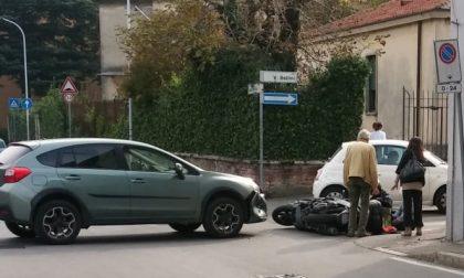 Scontro fra auto e moto con due feriti FOTO