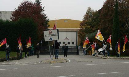 """Lavoratori della IMR di Carate in protesta: """"Stop a intimidazioni"""""""