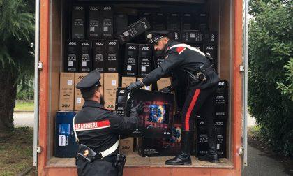 Recuperato dai carabinieri un furgone pieno di monitor per pc rubati