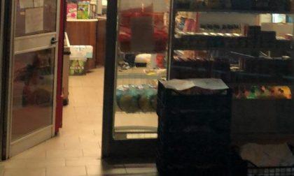 Controlli anti Covid, la Polizia Locale chiude un mini market
