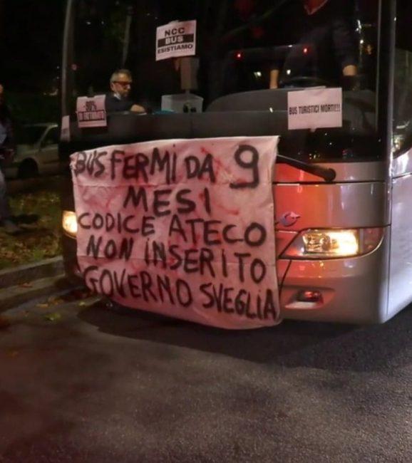 verano, protesta a milano di Pietro Radaelli