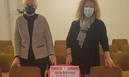 Caponago: una sedia rossa nel Consiglio comunale contro la violenza sulle donne