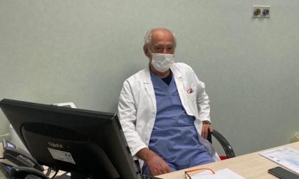 Medico rientra al lavoro dalla pensione per chiamare i parenti dei malati di Covid