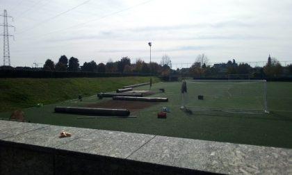 Seveso, lavori al campo di calcio dell'oratorio di Baruccana