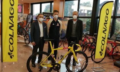 Il vincitore dell'ultimo Tour de France a casa Colnago FOTO