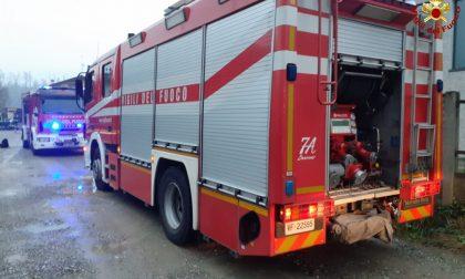 Camion urta contatore del gas: intervengono i Vigili del fuoco FOTO