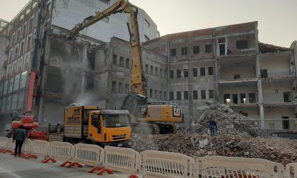 Lavori in corso in centro Monza: al via la demolizione dell'ex Inam