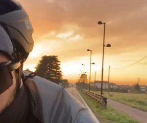 Percorre 200 km in bici senza mai uscire dal suo Comune: l'impresa di Dario