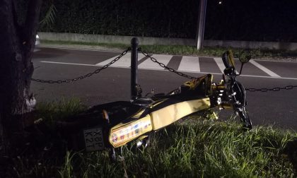 Scontro tra auto e moto: incidente in via Manzoni, paura per un 15enne