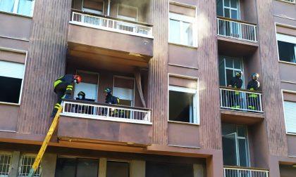 Pompieri in centro per un pentolino sul fuoco FOTO