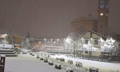 Lo spettacolo della neve (se potete godervela da casa) FOTO e VIDEO