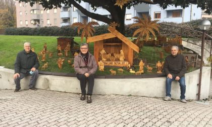 Alberi e presepi creativi accendono la magia del Natale a Monza
