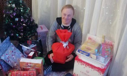 Il Covid non ferma i volontari: doni a domicilio per i ragazzi disabili FOTO