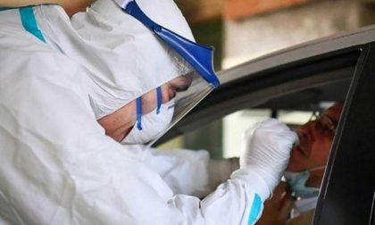 Coronavirus, 18.025 nuovi casi su 250.933 tamponi e altri 326 morti