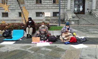 Ultima lezione in piazza per gli studenti che contestano la dad