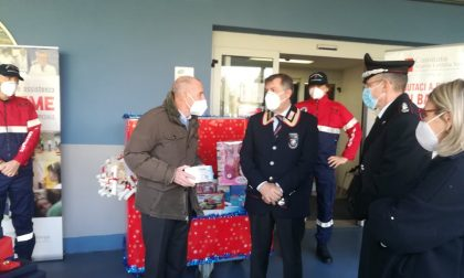 Il Covid non ferma Babbo Natale, i regali al Maria Letizia Verga