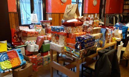 La solidarietà non va in vacanza: in distribuzione doni e alimenti a 280 famiglie