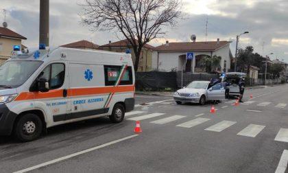 Incidente in via Lombardia per una mancata precedenza