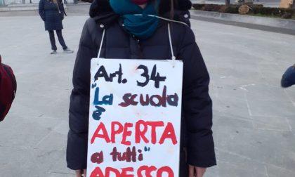 La scuola a Monza protesta contro la Dad – VIDEO
