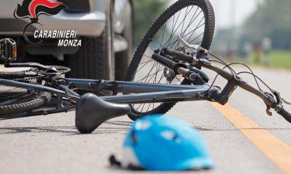Investe un uomo in bicicletta e poi lo bastona per farsi risarcire il danno alla sua auto