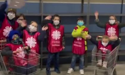 Giussano, piccoli volontari aiutano la Caritas