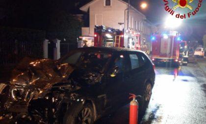 Cogliate: scontro tra due autovetture, gravemente ferito un 19enne FOTO
