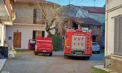 Fuga di gas in una corte: intervengono i pompieri