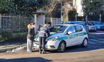 Anziana investita da un'auto che si allontana FOTO