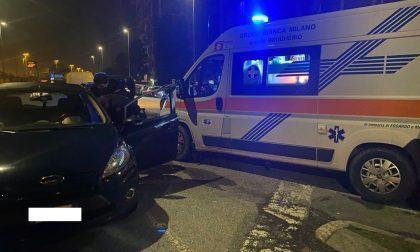 Malore mentre è al volante: 35enne aiutato dai passanti