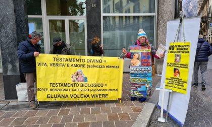 Ultracattolica, medico e no-vax: seregnese organizza flash mob contro il testamento biologico