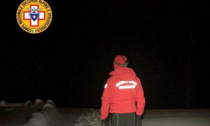 Problema a una gamba mentre fa snowboard, giovane monzese soccorso ad Aprica